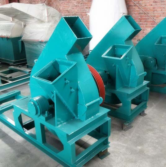 Upper-Discharge Wood Chipper