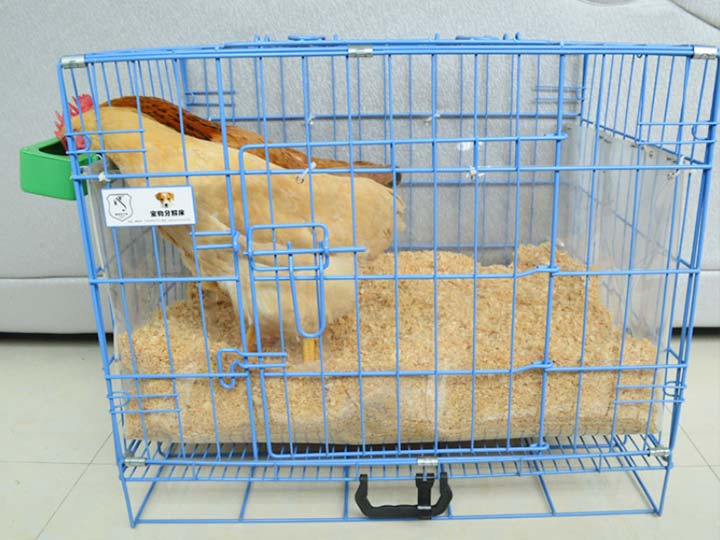 chicken bedding with wood shavings