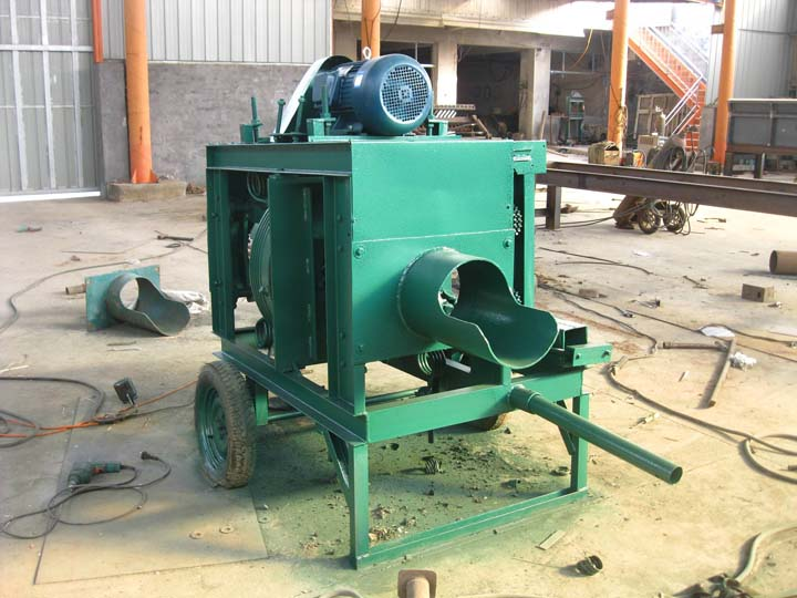 commercial wood peeling machine is in manufacturing