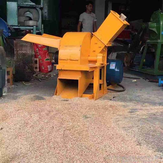 working effect of the multifunctional wood crusher