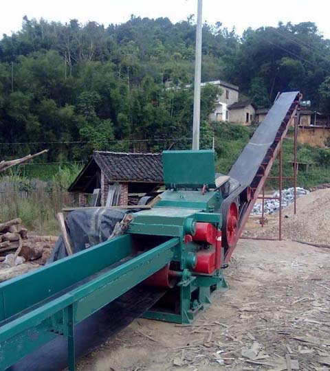 drum wood chipper with conveyors