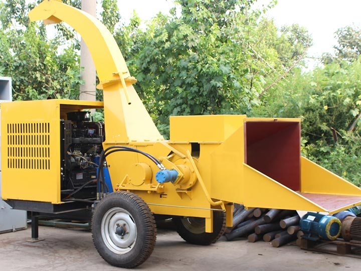 large tree branches crushing machine