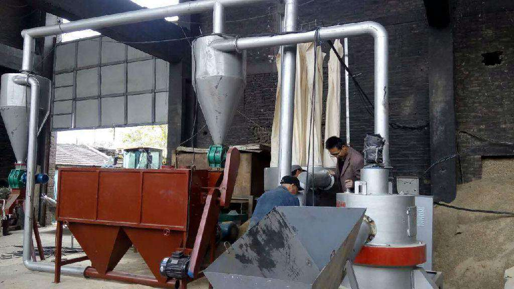 vertical wood powder mill in customer's factory