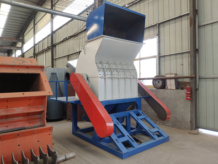 electric hammer mill with lower base