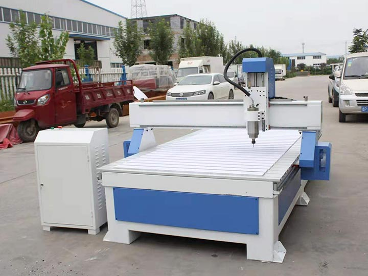 CNC engraving machine with high efficiency