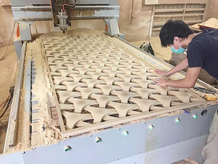 working of wood engraving machine